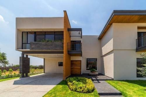 Hacienda El Campanario Moderna Residencia De 4 Recámaras