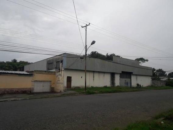 Galpon En Venta Araure Centro 20-682 Rbw