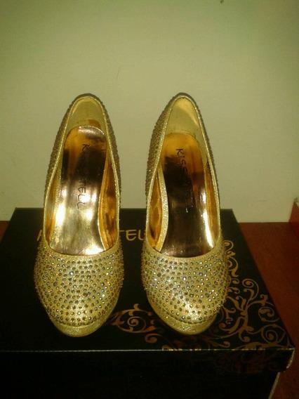 Zapatos De Fiesta Brillantes Y Elegantes