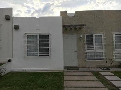 Casa En Renta En Los Encinos, Querétaro.
