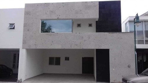 Venta De Casa Privada La Rioja Carretera Nacional Monterrey