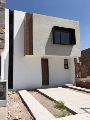 Casa Nueva En Condominio, Irapuato Guanajuato.
