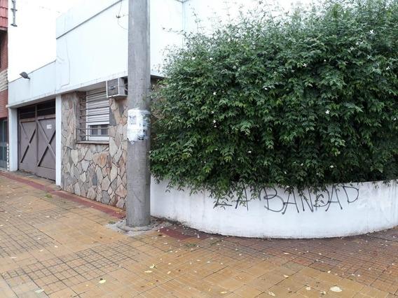 Casa En Alquiler. La Plata