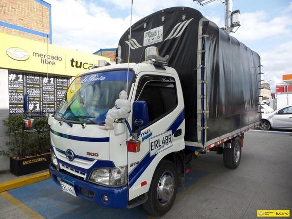Hino Dutro Pro 300 Camion Estacas