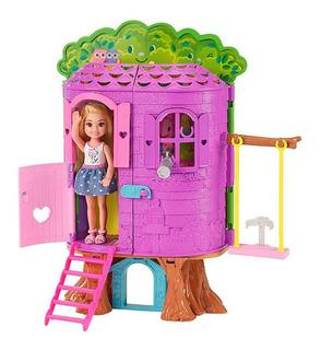 Muñeca Barbie Chelsea Casa Club Del Árbol Mattel
