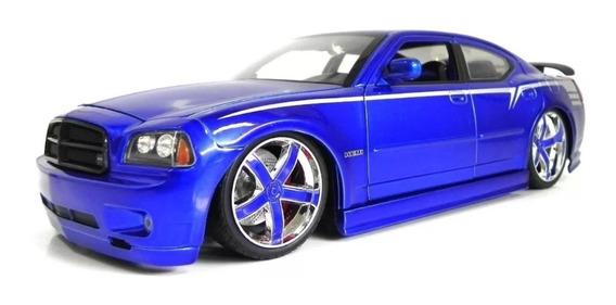 Dodge Charger Srt8 (2006) - Roxo - Lopro - 1:18 - Jada Toys
