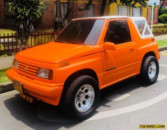Suzuki Sidekick Convertible. Cabriolet