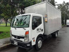 Camion Nissan Cabstar 2015