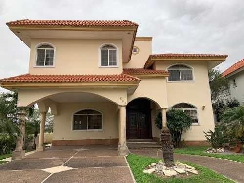 Residencia Estilo Mediterráneo En Venta, Fracc. Lagunas De Miralta, Altamira, Tamps.
