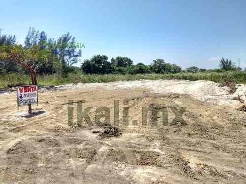 Venta Terreno 2025 M² Playa Tuxpan Veracruz. Se Vende Terreno Ubicado A Unos Metros De Las Playas De Tuxpan Y Cerca De Un Oxxo De Pacha. El Terreno Cuenta Con 2025 M², Ideal Para Comercio O Vivienda