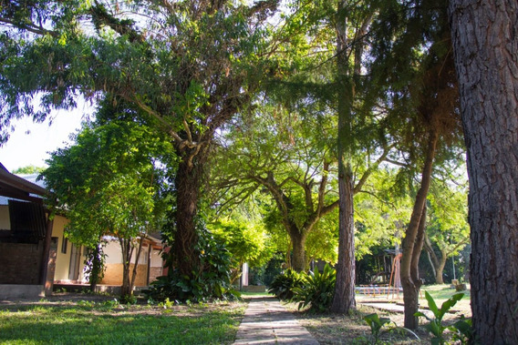 Atractivo Complejo Turístico En Arroyo Leyes, Santa Fe.