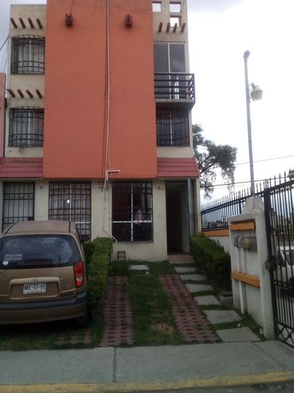 Venta Bonita Casa De Tres Niveles 4 Recamaras En Privada