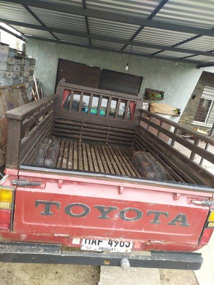 Toyota Hilux Toyota Hilux Nafta