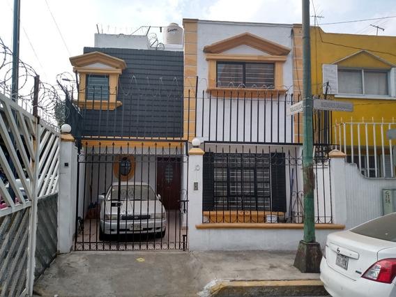 Cómoda Casa En Fracc. Jardines De Churubusco. Metro Aculco.