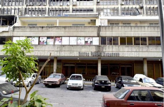 Oficinas En Venta La Candelaria 20-24482 Rah Samanes
