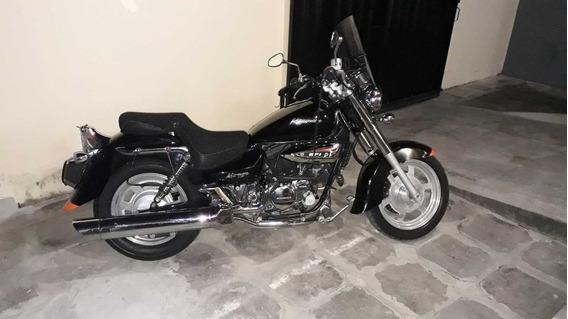 Vende-se Moto Mirage 250cc
