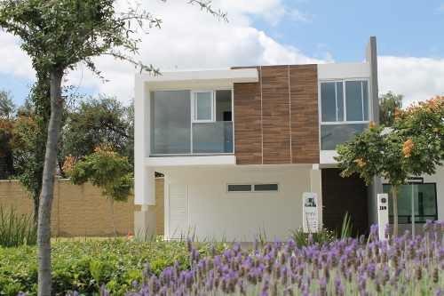 El Mayorazgo Vendo Bonita Casa Nueva Con Frente Área Verde