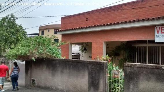 Casa Para Venda Em Volta Redonda, Vila Mury, 3 Dormitórios, 1 Banheiro, 1 Vaga - C196