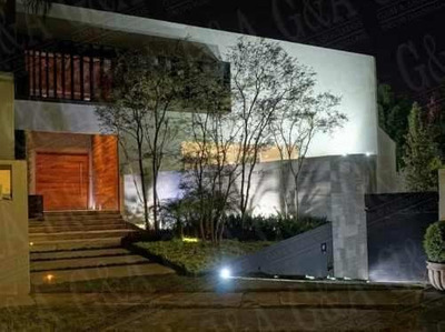 Espectacular Casa En Coto Privado - Valle Real