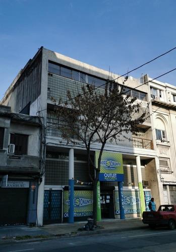 Local Comercial En Zona Mayorista
