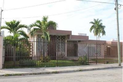 Magnífica Casa En Excelente Ubicación Al Norte De Mérida En La Col. Campestre