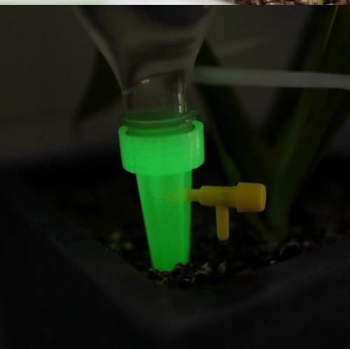 Imagen 1 de 3 de 10 Sistema Riego Botellas Agua Para Jardín Automático 10pzs.