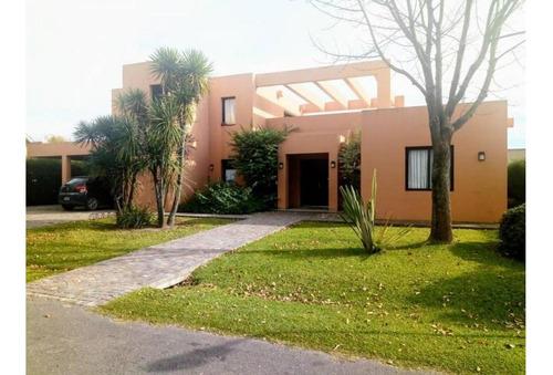 Excelente Oportunidad Casa En Venta En Barrio Privado Santa