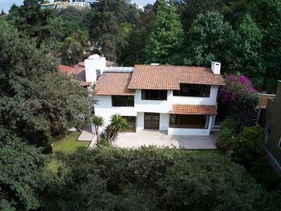 Preciosa Casa En Real De Las Lomas Con Amplias Areas Recepci