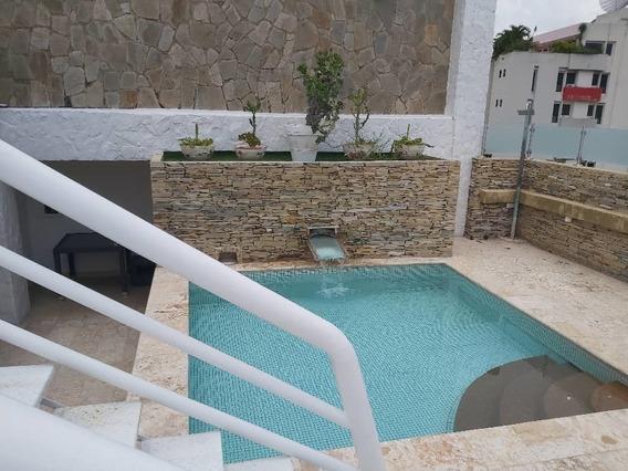 Lujoso Apartamento En La Urb, La Arboleda 04243368365