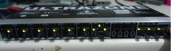 Mixer Behringer Ultrazone Zmx8210 8 Canais ( Leia )