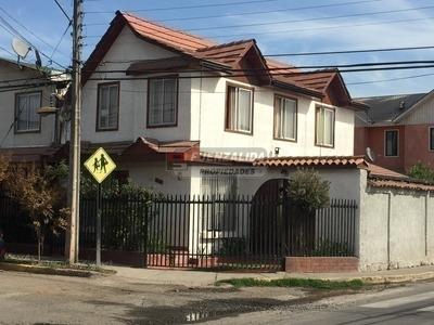 Casa En Venta, Las Rosas