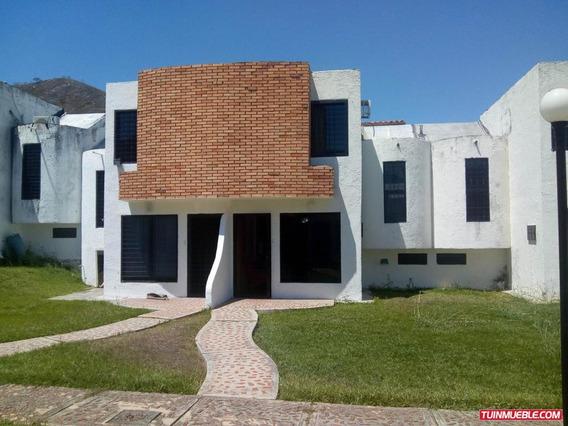 Angelica R. Town House En Venta Esmeralda Cod 19-9186