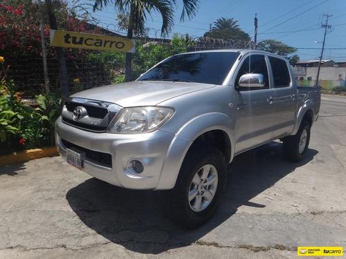Imagen 1 de 14 de Toyota Hilux Kavak 4x4