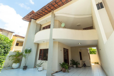 Casa Em Sapiranga, Fortaleza/ce De 154m² 3 Quartos À Venda Por R$ 490.000,00 - Ca185061
