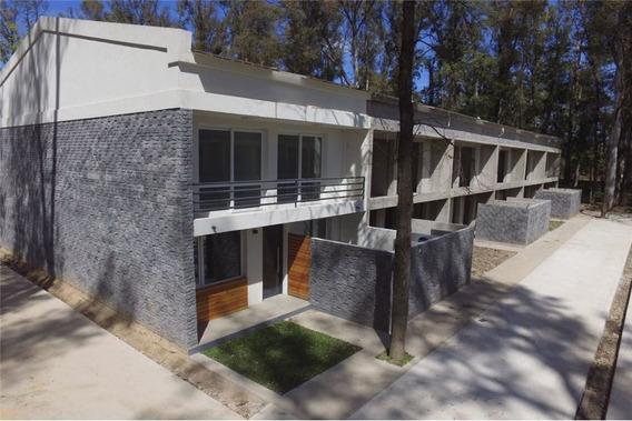 Duplex Tipo Casa 4 Amb. C/pileta Los Robles Pilar