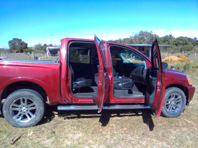 Nissan Titan 5.6l Cab Sl Texas V8 4x4 At 2013