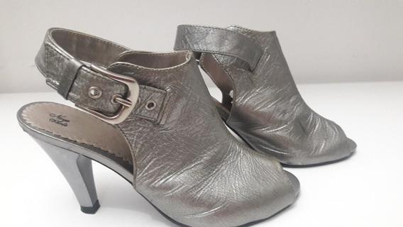 Sapato Cor Prata Número 33