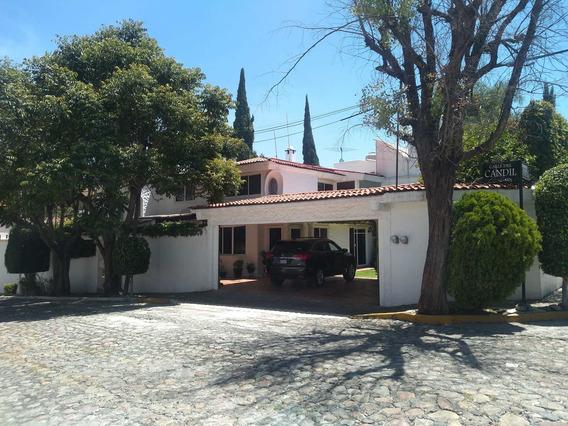 Se Vende Casa De 4 Habitaciones Con Amplio Jardín En El Fraccionamiento Santa Cruz Guadalupe