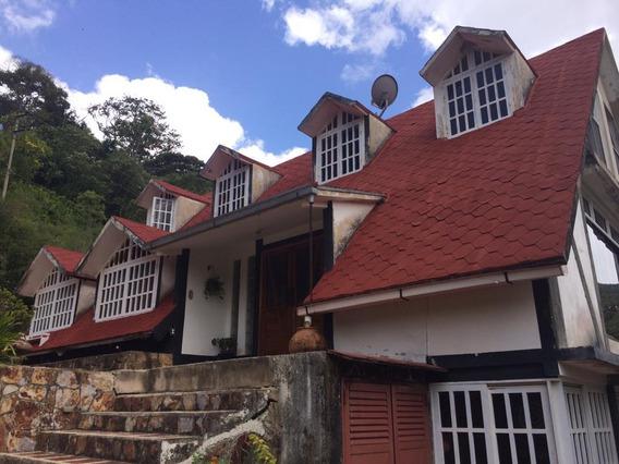 Vendo Hermoso Chalet Colonia Tovar 04145887434