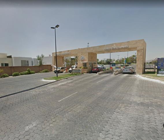 Casa Paseo De La Castellana 15 Fracc Lomas De Angelopolis 11