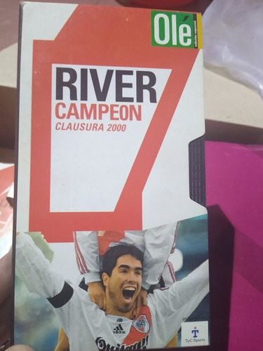 Vhs River Campeón  Clausura 2000