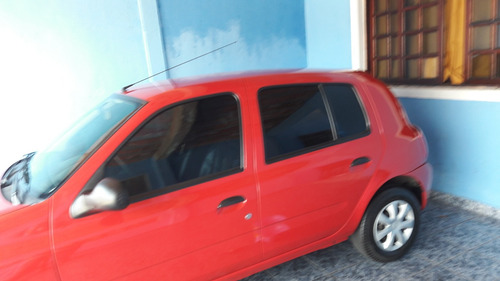 Renault Clio Em Perfeito Estado E Pouquíssima Kilometragem
