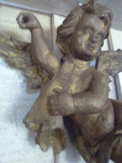 Anjo Antigo Em Madeira Patina Dourada