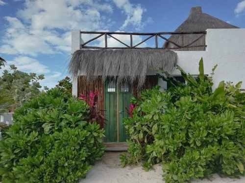 Hermosa Casa En La Playa De Chuburna A 150 Metros Del Mar.