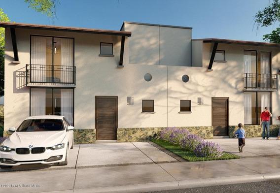 Casa En Venta En Zibata, El Marques, Rah-mx-20-3063