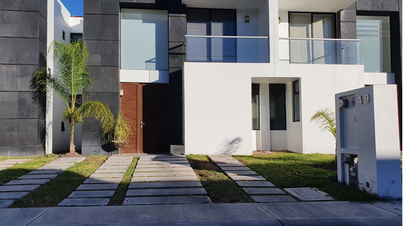 Renta Casa Amueblada En Juriquilla Santa Fe Privada Alberca