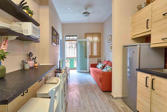 Apartamento En Venta Amueblado En La Zona Colonial