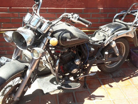 Motomel Custom 200cc.