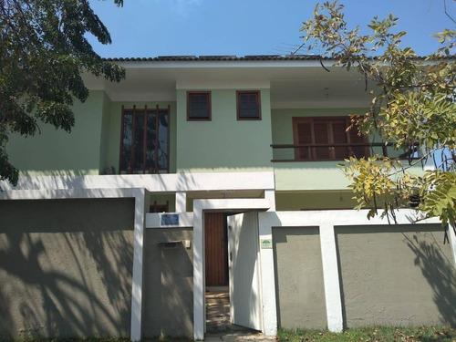 Imagem 1 de 14 de Casa Duplex Em Condomínio, Bem Localizada, Cômodos Amplos, Quintal, 04 Qts./04 Suítes, 338 M², R$ 1.400.000,00 - Itaipu - Niterói/rj - Ca20683