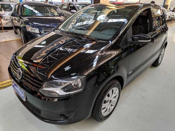 Volkswagen Fox 1.0 Trend Total Flex Preto 2013 (completo)